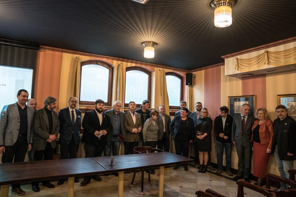 Ofajkach naogólnopolskiej konferencji